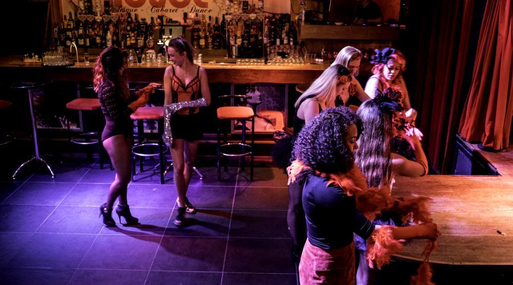 Slide 2: Workshop Burlesque Vrijgezellenfeest